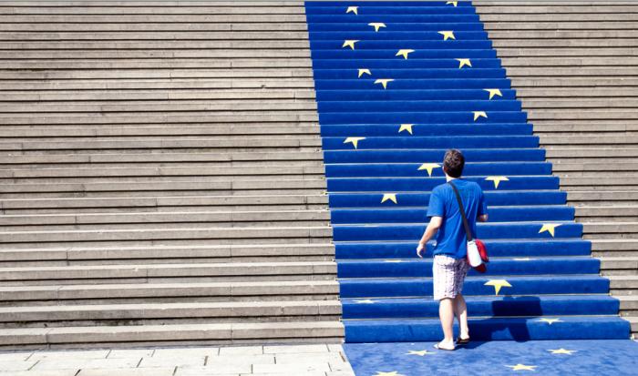 کارت آبی اروپا ، بلو کارت اروپا ، اقامت کاری اروپا ، کار کردن در اروپا